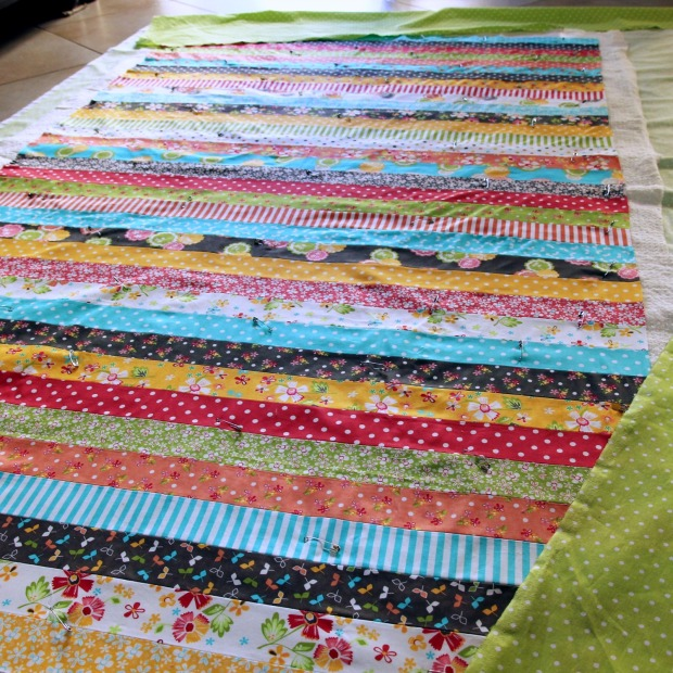 2016-04-09_sandwiching-pinning-quilt